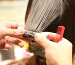 パーマ(髪へのダメージの少ないパーマ液を使用)